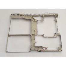 Výstuha spodní vady 805-6116 z Apple iBook G4 A1055