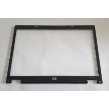 Rámeček krytu displaye 6070B0120501 z HP Compaq nx7400