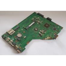 Základní deska 60-N8OMB1301 z Asus X55U vadná